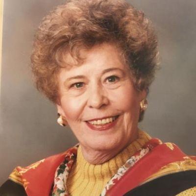 Edna M Holmes 's Image