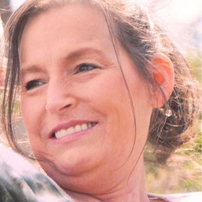 Carolyn  Crane's Image