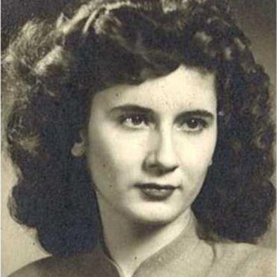 Julia  Theobald's Image