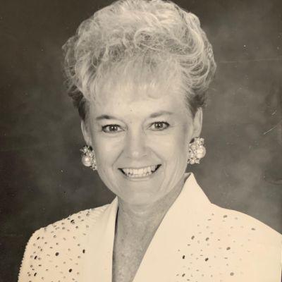 Joyce Margaret  Stewart Rea's Image