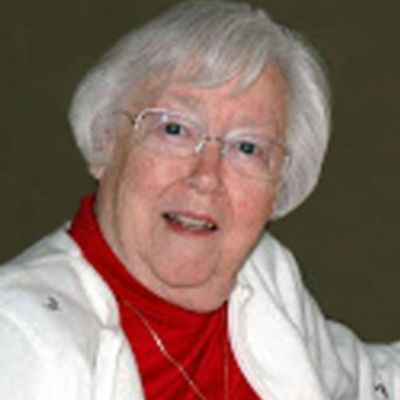 Helen  Sparks's Image