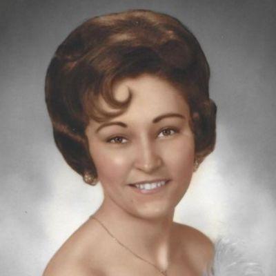 Linda K Sanders's Image