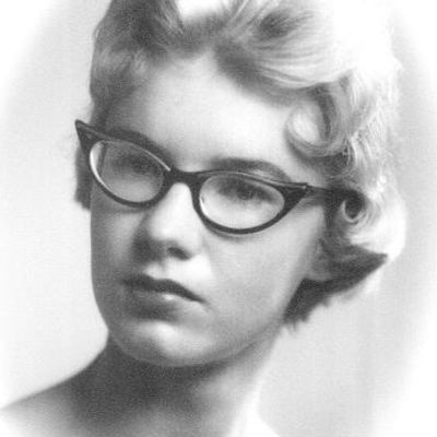 Bitsy  Loewenstein's Image
