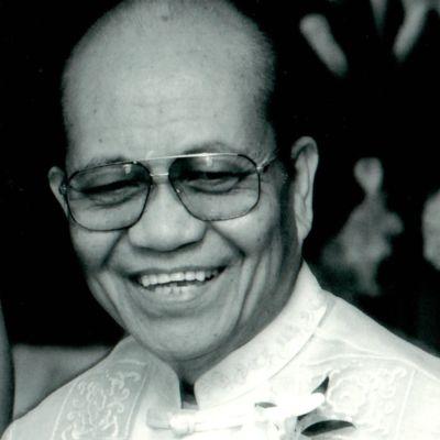 Dr. Manuel Postrero Lastra's Image