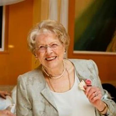 Evelyn R.  Reid's Image