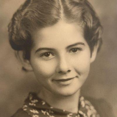 Iska June Adams's Image