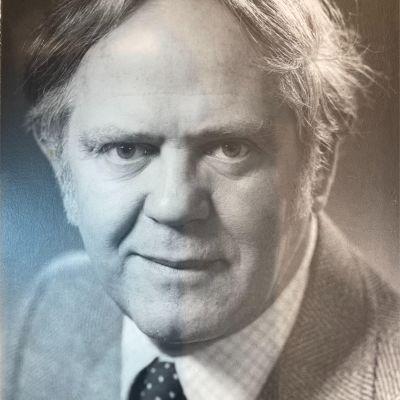 John  Schneider's Image