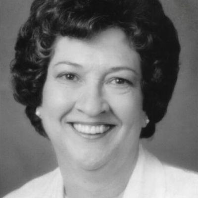 Anne R Kunath