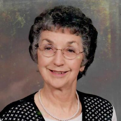 Helen V Widdows's Image