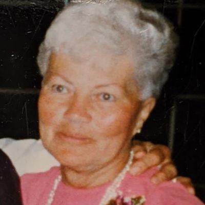 Mary Louis  Papai's Image