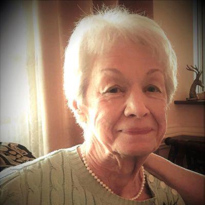 Maxine Damino Llewellyn's Image