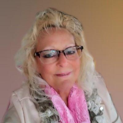 Lauren A. Karabatsos (Mangina)'s Image