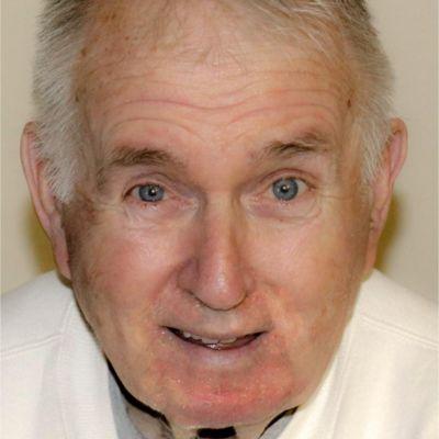 Dexter L.  Groves's Image