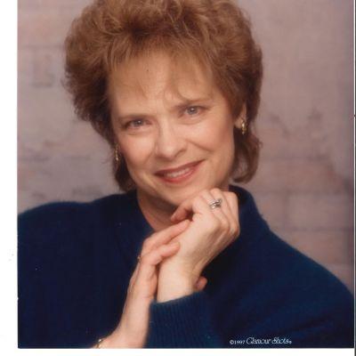 Elizabeth Jeanne Smith Hoefler's Image