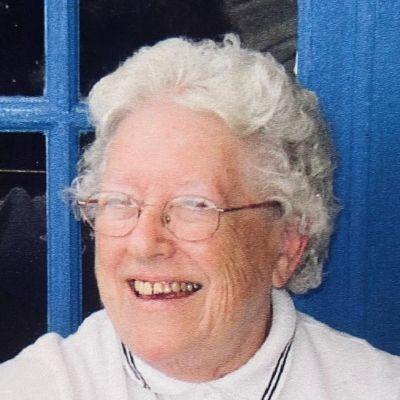 Elizabeth J. Leonard's Image