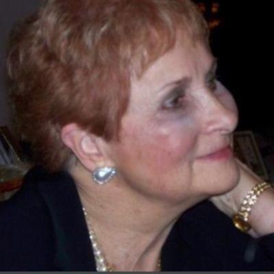 Melanie L.  Como's Image